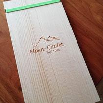 Gravierte Menükarten-Boards aus Fichtenholz Alpen-Chalet Partnom