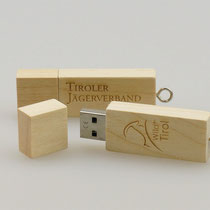 Edle Give-Aways: USB-Sticks aus Holz mit Logogravur (Produktion ab 1 Stück möglich!)
