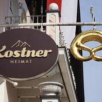 """Schild & Ausleger für  unsere Kunden """"Kostner Heimat"""" in Mayrhofen"""
