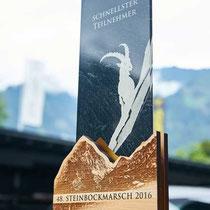 """Exklusive Pokale """"Zillertaler Steinbockmarsch"""" mit lasergraviertem Sockel und bedrucktem Acrylglas"""
