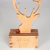 Trophäe aus Holz - Laserschnitt- und Gravur
