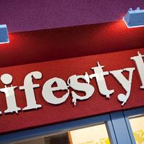 Fassadenschrift Sport Nenner Lifestyle-Shop