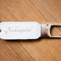 """Gravierte USB-Sticks aus Leder """"Aschenputtel""""-Fotografie"""