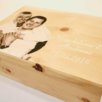 Zirbenholzkiste bedruckt als Hochzeitsgeschenk