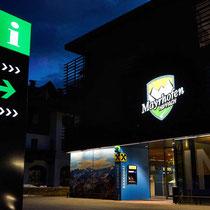 Leuchtkasten und Infoschild, TVB Mayrhofen/Hippach