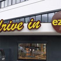 """We like: XL-Schriften für EZEB-Brot """"drive in"""", Schwaz"""