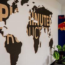 Bedruckte Weltkarte aus Kork für Epic Minutes Productions, Salzburg
