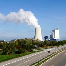 Das Steinkohlekraftwerk von Krummendorf aus