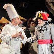 Рудольф Фурманов (Первый министр) и Андрей Родимов (Повар). Фото Ирины Тимофеевой из архива театра