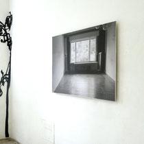 construction_home (Familienzimmer) 2016, Kartonschnitt, Fotografie   350 x 300 cm