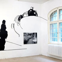 construction_home (Familienband) 2016, Kartonschnitt, Fototafel,  300 x 450 cm