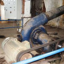 Alte Turbine zur Generatorstation umgerüstet
