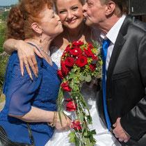 Braut mit Eltern