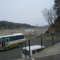 大槌町のお寺より、まだまだこのような状態です。