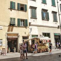 Lampredotto Stall on Piazza di Cimatori
