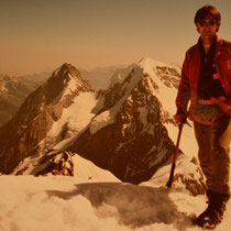 Im Hintergrund der Mönch und der Eiger / Richi Brusa 1986