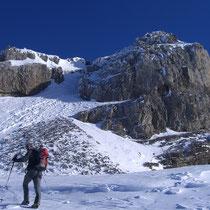 Zuoberst gibt es eine kleine alpine Stufe