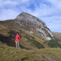Beim Hanenspil kommt der Gipfelkopf ins Blickfeld