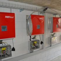 Vier Wechselrichter machen den Strom Netzkompatibel