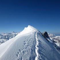 Einfacher Grataufstieg zum Gipfel