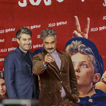 "Presseshooting ""Jo-Jo Rabbit"" - Carthew Neal & Taika Waititi"
