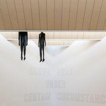 """Teil der Ausstellung """"Stretch"""" von Alexandra Bircken"""