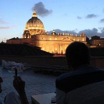 Gemütlicher Abend auf der Dachterrasse.