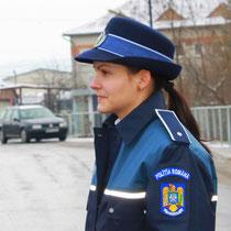 Rumänische Polizistin