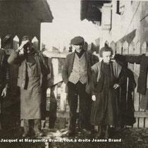 De gauche à droite JM Brand, son fils Maurice, son gendre R Jacquet, sa fille Marguerite et son épouse Jeanne