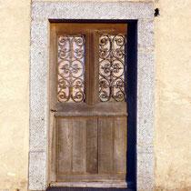 """La porte d'entrée de la partie """"habitation"""""""