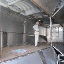 トラック荷台補修