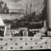 """La sobremesa / After lunch"". (Fragmento / Detail). Grafito sobre tabla / Graphite on board. 2017. 114 x 146 cm. Colección del MEAM (Museo Europeo de Arte Moderno)."