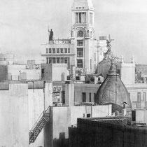 """""""Tejados de Madrid / Madrid rooftops"""" (fragmento / detail). Grafito sobre tabla / Graphite on board. 2013. 80x146 cm. Colección del Ministerio de Asuntos Exteriores y de Cooperación."""