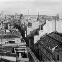 """""""Tejados de Madrid / Madrid rooftops"""" Grafito sobre tabla / Graphite on board. 2013. 80x146 cm. Colección del Ministerio de Asuntos Exteriores y de Cooperación."""
