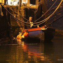 freundlicher Hafenarbeiter