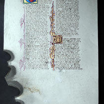 Copia en pergamino de la primera página del Cantar de los Nibelungos
