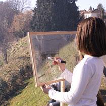 """Balade Zoom paysage au Mont Gargan (Saint-Gilles-les-Forêts) : autre technique qui peut être employée pour la lecture de paysage, le dessin sur film plastique encadré, pour """"cadrer"""" le paysage à reproduire"""