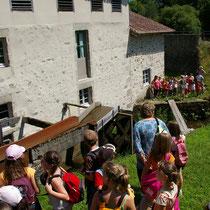 Balade Zoom rivière : elle a souvent lieu à proximité du Moulin du Got, site de visite complémentaire au Pays d'art et d'histoire. Les 2 structures proposent des Itinéraires pédagogiques pour occuper les classes à la journée