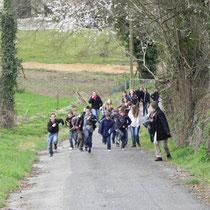 Jeu de piste Sur les traces de Paroutaud et du chemin de fer à Saint-Léonard-de-Noblat : la remontée du Chemin du Pavé pour rejoindre le bourg