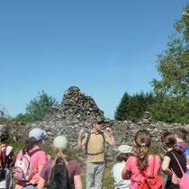 Balade Quenouille & le Chemin des Poètes (Peyrat-le-Château) : lecture de paysage au niveau du tumulus des Roches Brunagères