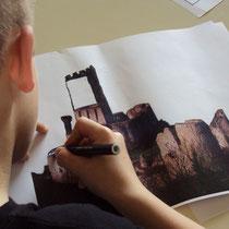 Atelier château : photo de château à compléter, au dessin pour les plus grands, juste à colorier pour les plus petits