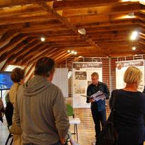 """Visite guidée de l'exposition """"14-18, Poussières de guerre"""" par un guide-conférencier du Pays d'art et d'histoire - à Eymoutiers en août 2014."""