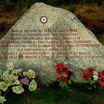 Jeu de piste La Résistance au Mont Gargan : stèle commémorative de la bataille du Mont Gargan (juillet 1944), au sommet du site