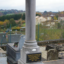 La tombe de Jules Tourgnol, ancien maire de Saint-Léonard-de-Noblat - Cimetière de Saint-Léonard-de-Noblat