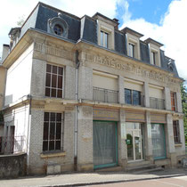 Ancien magasin Bariaud - Rue Firmin Tarrade - Châteauneuf-la-Forêt