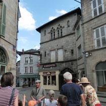 Lecture architecturale d'une maison médiévale, avec reconstitution archéologique - Saint-Léonard-de-Noblat