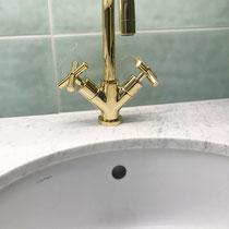 Armatur vergoldet – Badumbau in Reinach BL