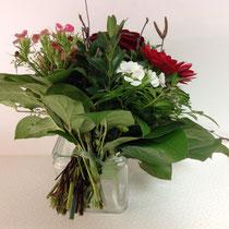 1- Blumenstrauß kompakt und fest binden