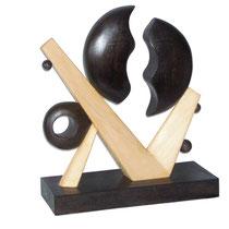 Roberto Fruggeri, Proiezione, 2011, scultura legno, 58x50x20 cm