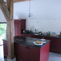 kookeiland in dezelfde stijl als de oorspronkelijke keuken